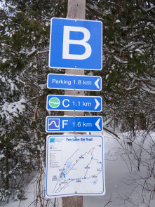 Clear signage on the Fen Lake ski trails
