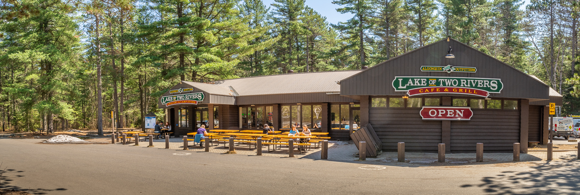 AO Lake of Two Rivers Store & Cafe